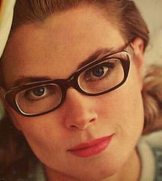 Grace Kelly wore glasses. Heck yeah.