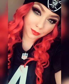 Raiders Vegas, Raiders Girl, Oakland Raiders Wallpapers, Oakland Raiders Football, Raiders Tattoos, Raiders Cheerleaders, Football Girls, Football Memes, Bad Girl Outfits