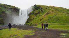 Wodospad Skógafoss - Islandia Iceland with #readyforboarding #Iceland #Islandia #blogtrotters #blogtroterzy #travel #podróże #advice #porady