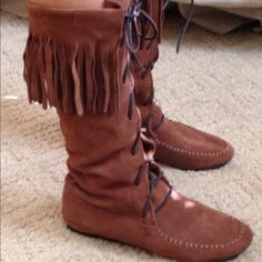 Size 7 leather & Suede boots Cute boots size 7. No stains and smells like leather. In perfect condition Shoes