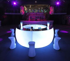 A different twist on the round bar - different from usual event furniture?