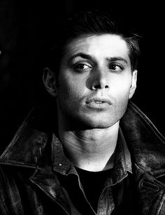 Dat eyebrow raise though... #DeanWinchester #Supernatural #bnw