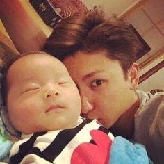 「完全におじバカです」AAA・與真司郎が溺愛する甥っ子との写真にキュン