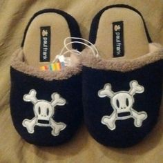 Paul Frank Kids Skull & Crossbones Slippers Brand new. Slip resistant/treaded some. These are sooooo cute!!! Size 11/12. Paul Frank Shoes Slippers