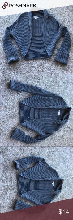Decree Sweater Adorable Grey sweater. Great accent piece! Decree Sweaters