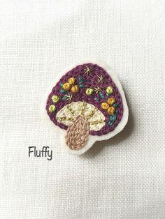 きのこと木の実のブローチ|ブローチ|Fluffy|ハンドメイド通販・販売のCreema
