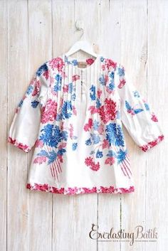 .baju batik Batik Blazer, Blouse Batik, Batik Dress, Blouse Dress, Kimono, Batik Fashion, Hijab Fashion, Fashion Outfits, Kurta Designs