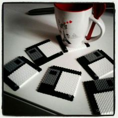 floppy disk coasters with beads • diy how to make tutorial ideas projects sew pattern handmade instructions