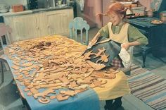Pippi Longstocking and gingerbread cookies Christmas Time, Xmas, Biscuits, Pippi Longstocking, Musical Film, How To Make Cookies, Making Cookies, Slow Living, Pepsi
