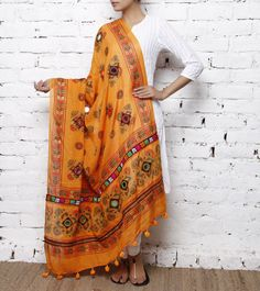 Mustard Cotton Dupatta with Kutchi Embroidery but with black kurti and legging Indian Suits, Indian Attire, Indian Ethnic Wear, Pakistani Dresses, Indian Dresses, Pakistani Suits, Indian Clothes, Kurta Designs, Blouse Designs