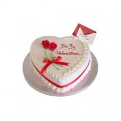 Flowers Online Delivery India, Online cake delivery in Delhi service provide by Expressions Flora Send flowers online delivery under time line. Best Valentine Gift, Valentines Day Cakes, Pretty Cakes, Beautiful Cakes, Amazing Cakes, Heart Shaped Cakes, Heart Cakes, Online Cake Delivery, Cake Online