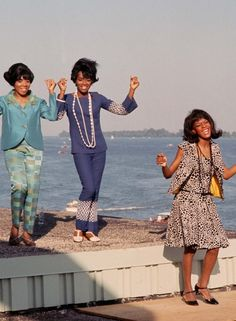 Martha and the Vandellas perform in Monaco Dancing in the street!
