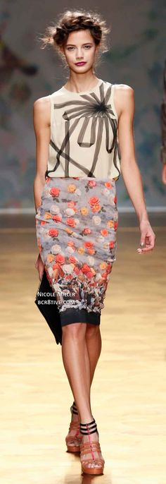 Nicole Miller Spring 2014 Ready-to-Wear Ugly Outfits, Cool Outfits, Fashion Outfits, Cute Dresses, Dresses For Work, Summer Dresses, Spring Summer Fashion, Spring 2014, Floral Fashion