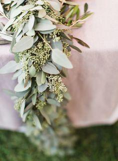 Photography: Loft Photographie LLC - www.loftphotographie.com  Read More: http://www.stylemepretty.com/2014/04/18/elegant-garden-wedding-in-austin/