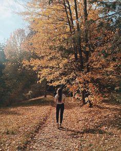 Self Photography, Autumn Photography, Photography Ideas, Travel Photography, Autumn Aesthetic, Aesthetic Photo, Fall Pictures, Fall Photos, Deep Photos