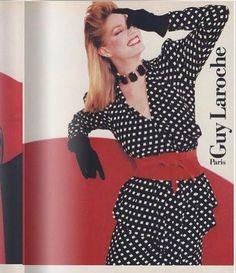На изображении может находиться: один или несколько человек и люди стоят 80s Fashion, Mini Skirts, Mini Skirt