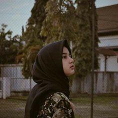 Beautiful Muslim Women, Photos Tumblr, Girl Fashion, Ootd, Poses, Fans, Wattpad, Instagram, Girls