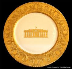 The Clinton Administration to 2001 ) ordered new Official White House China from Lenox of Trenton, New Jersey, commissioned for the Anniversary of The White House (this Service Plate is the only piece in the set with the enormous gold band). Presidential History, Presidential Seal, White House Washington Dc, Us White House, Bill And Hillary Clinton, American Presidents, American History, Johnson Bros, Royal Copenhagen