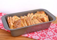 Vittles and Bits: Overnight Pull-Apart Cinnamon Loaf Maggie Farr (Vittles and Bits)