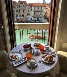 If you want to experience Europe, you need to travel to Italy. No other country on earth offers the depth, breadth, and scope of Italy. Italy Pictures, Cool Pictures, Breakfast Around The World, Italy Coffee, Affordable Honeymoon, Honeymoon Packages, Rich Life, Best Places To Travel, Luxury Life
