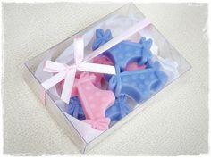 Caixa de acetato com sabonetinhos em formato de calcinha. Ideal para seu chá de lingerie!