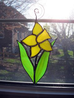 Daffodil Stained Glass Sunctacher  Flower by StainedGlassYourWay, $25.00