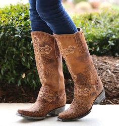 Old Gringo Krusts Crystal Ocre Picture Old Gringo Boots, Fashion Marketing, Cute Boots, Dream Shoes, Western Outfits, Cowgirl Boots, Me Too Shoes, Crystals, My Style