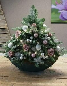 Ostern&Christmas christmas Shopping for What You Must Rework Your Kitchen Have you ever just Christmas Flower Arrangements, Christmas Flowers, Christmas Centerpieces, Outdoor Christmas Decorations, Dollar Tree Christmas, Diy Christmas Ornaments, Christmas Holidays, Christmas Wreaths, Christmas Bowl
