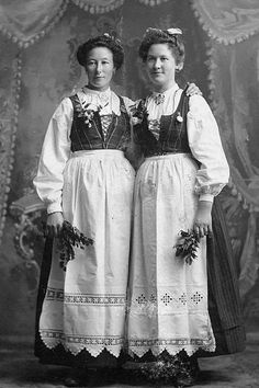 Bunad, worn by USA immigrants from Norway.