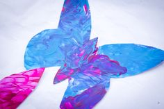 https://artsycraftymom.wordpress.com/2013/11/10/butterfly-garland/