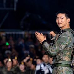 Ok Taecyeon, Twice Fanart, Men In Uniform, Military Service, Landing, Boy Groups, Sexy Men, Rapper, Hot Guys