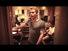 Hunter Hayes - The Storm Warning Express. Hahaha this is pretty funny!