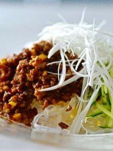 しらたきジャージャー麺