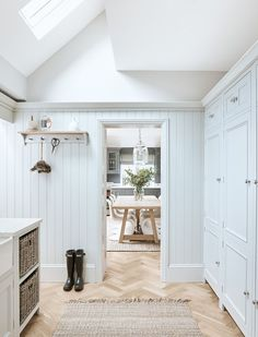Browse our laundry room furniture, which includes clever cabinet designs for hiding away all your essentials, from pegs to towels, brooms to ironing boards. Chichester, Boot Room Utility, Ikea Utility Room, Modern Farmhouse, Minimalism Living, Neptune Kitchen, Neptune Home, Tongue And Groove Panelling, Modernisme