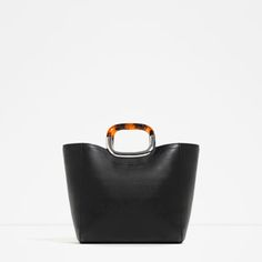 Zara Tote with Handle Detail Tote Purse, Tote Handbags, Leather Purses, Leather Handbags, Leather Totes, Leather Handle, Zara Tote Bags, Slingback Shoes, Women's Handbags