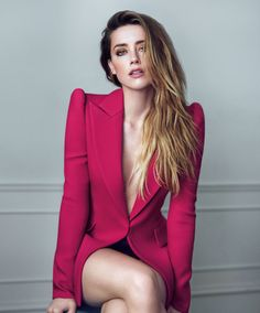 Welcome to Daily Amber Heard. Your number one source for everything around the gorgeous Amber Heard. Fotos Amber Heard, Amber Heard Hot, Amanda Heard, Amber Heard Bikini, Amber Herd, Mode Outfits, Beautiful Celebrities, Marie Claire, Belle Photo