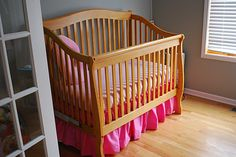How to make a gathered Dust Ruffle for Cribs and Toddler Beds free pattern and tutorial