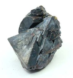(http://www.krystallove.com.au/rough-crystals/cuprite-natural-octahedron-4/)