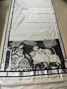 Saree Painting Designs, Fabric Paint Designs, Kalamkari Painting, Madhubani Painting, Kerala Mural Painting, Indian Art Paintings, Dress Painting, Fabric Painting, Alpona Design