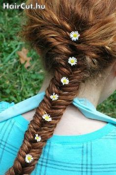 red braid with flowers - haircut.hu, Model 19 (Zsuzsa)