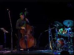 """Проект """"Джаз в Клину"""" раздвинул музыкальные границы! 15 октября 2015 года впервые в Клину выступил зарубежный джазовый коллектив - фортепианное джазовое трио VEIN (Швейцария): Флориан Арбенц (Florian Arbenz) — ударные; Томас Ланс (Thomas Lähns) — контрабас; Михаэль Арбенц (Michael Arbenz) — фортепиано. Концерт фортепианного джазового трио VEIN (Швейцария) 15 октября в МДЦ """"Стекольный"""" организован в рамках проекта """"Джаз в Клину"""" при поддержке международного фестиваля """"МузЭнерго""""."""