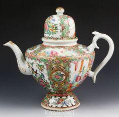 Chinese Rose Medallion Teapot, 19th Century