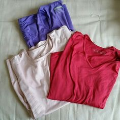 *FREE* Nike drifit tops & tank Nike drifit long sleeve pastel pink top - size medium,  good condition,  no stains, rips Nike drifit long sleeve top - size small but stretchy,  fits either small or medium, good condition no stains or rips Throwing in Kirkland size medium purple tankb for FREE,  some piling, has wear Nike Tops Tank Tops