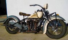 Photo of 1937 Indian Chief vintage motorcycle with right hand shift and left foot clutch. Absolutely amazing looking bikes, I really would love an Indian motorcycle. Vintage Indian Motorcycles, Antique Motorcycles, American Motorcycles, Vintage Bikes, Vintage Cars, Cars Motorcycles, Vintage Auto, Bobbers, Classic Bikes