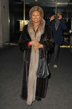 Ageless beauty Leslie Uggams in NYC. #furcoat #LeslieUggams
