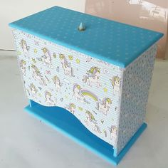 Painting On Wood, Decoupage, Jewlery, Decorative Boxes, Home Decor, Decorated Boxes, Baby Things, Diy And Crafts, Ornaments