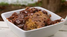 Peanut Butter Cup Pudding Cake (in slow cooker) Vegan Sweets, Healthy Sweets, Vegan Desserts, Healthy Eating, Delicious Vegan Recipes, Delicious Desserts, Yummy Food, Yummy Yummy, Vegetarian Recipes