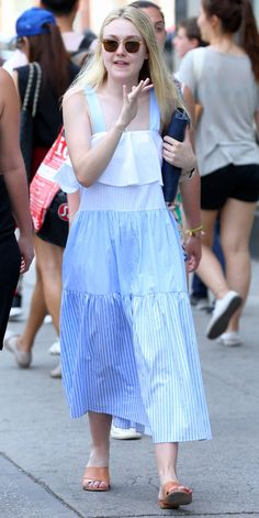 The actress stepped out in N. in a very affordable—and super cute—dress from Zara. Dakota Fanning Style, Bollywood, Zara Dresses, Fashion Dresses, Super Cute Dresses, Stylish Outfits, Stylish Clothes, Portrait, Everyday Outfits