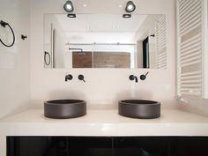 Ανακαίνιση σπιτιού στα Βριλήσσια   Home Done Kitchen Cabinets, Home Decor, Decoration Home, Room Decor, Cabinets, Home Interior Design, Dressers, Home Decoration, Kitchen Cupboards