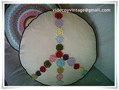Almohadones + tejido crochet, en videcoyvintage | videcoyvintage Deco